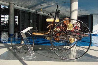 benz-patent-motorwagen-nr1
